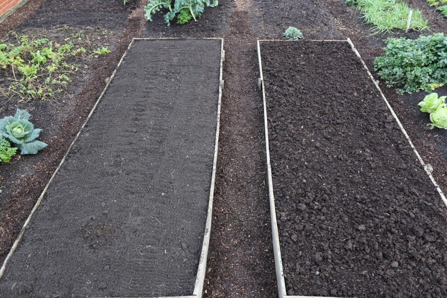 Job finished with compost simply on surface of the no dig bed right